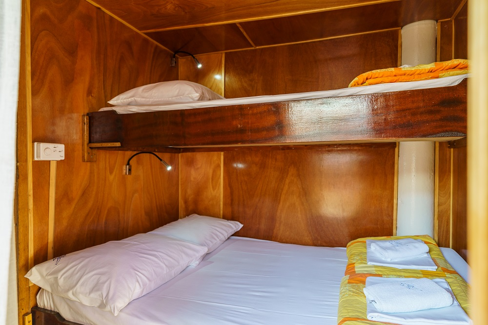 Double bed cabin with extra bed