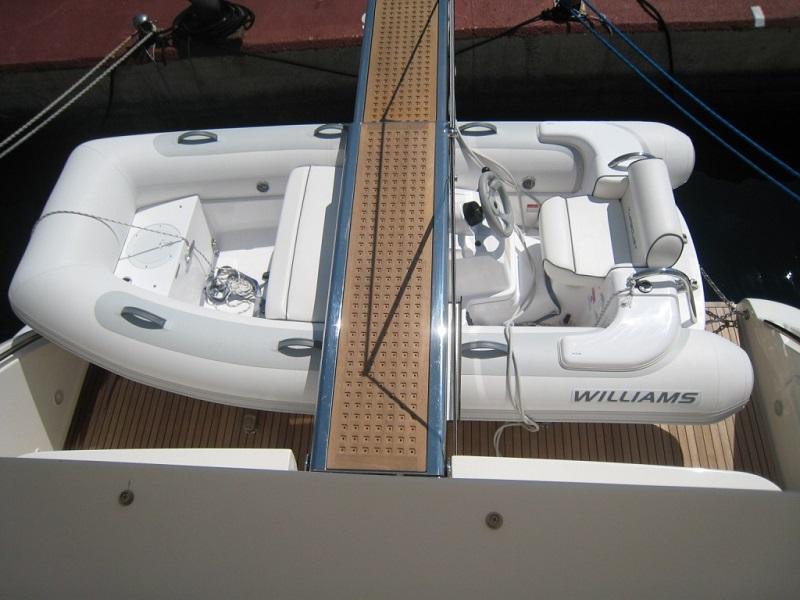 beiboot einer yacht