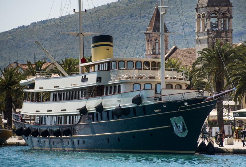 Motorsailers mini cruisers croatia charter holidays Cabin charter croatia