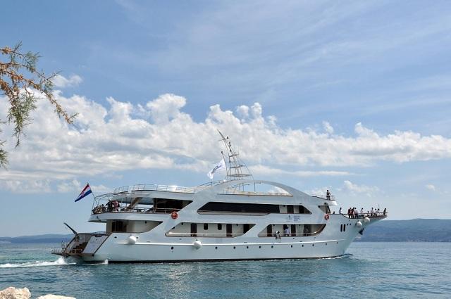 President cabin charter cruising vessels charter in Cabin charter croatia