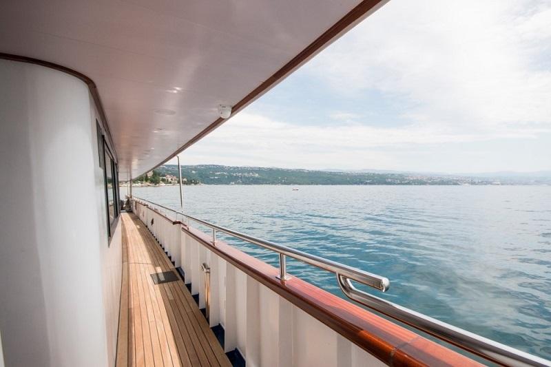 Infinity - Cruising vessels charter in Split | CROATIA CHARTER HOLIDAYS