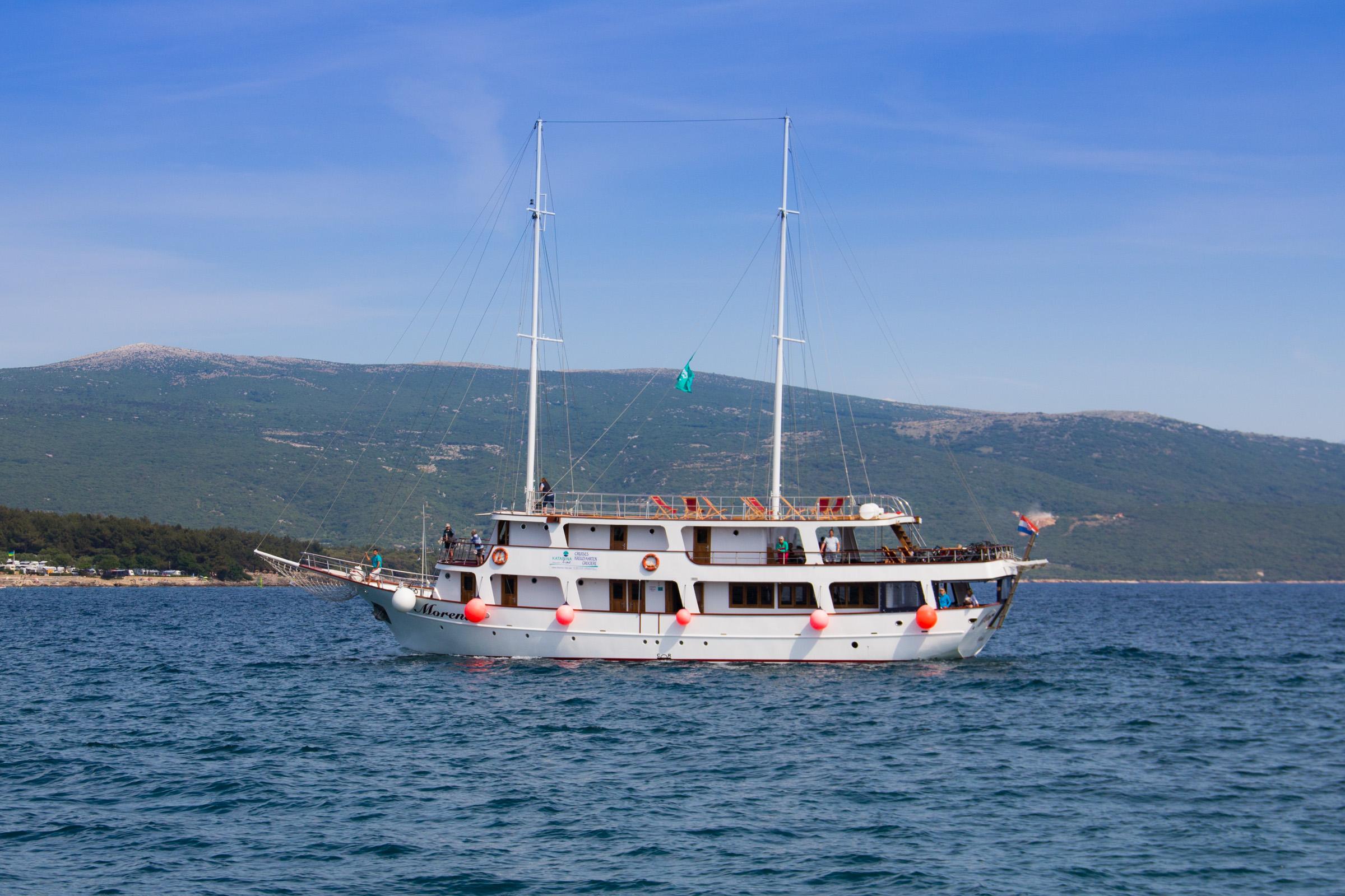 Cabin charter gulets mini cruisers croatia charter Cabin charter croatia
