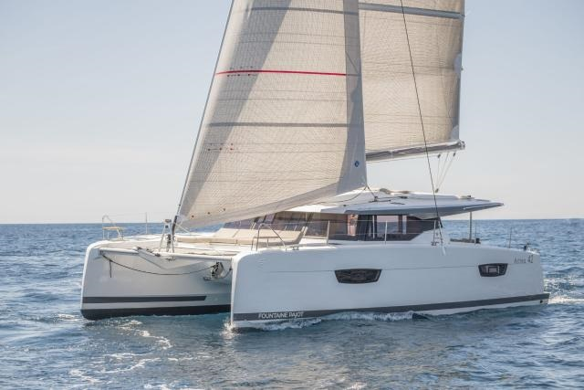 Fountaine Pajot Astrea 42 - 4+2 cabins