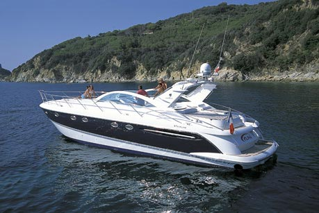 Fairline Targa 52 GT. Built: 2008; Length over all: 16.22 m; Beam: 4,26 m ...