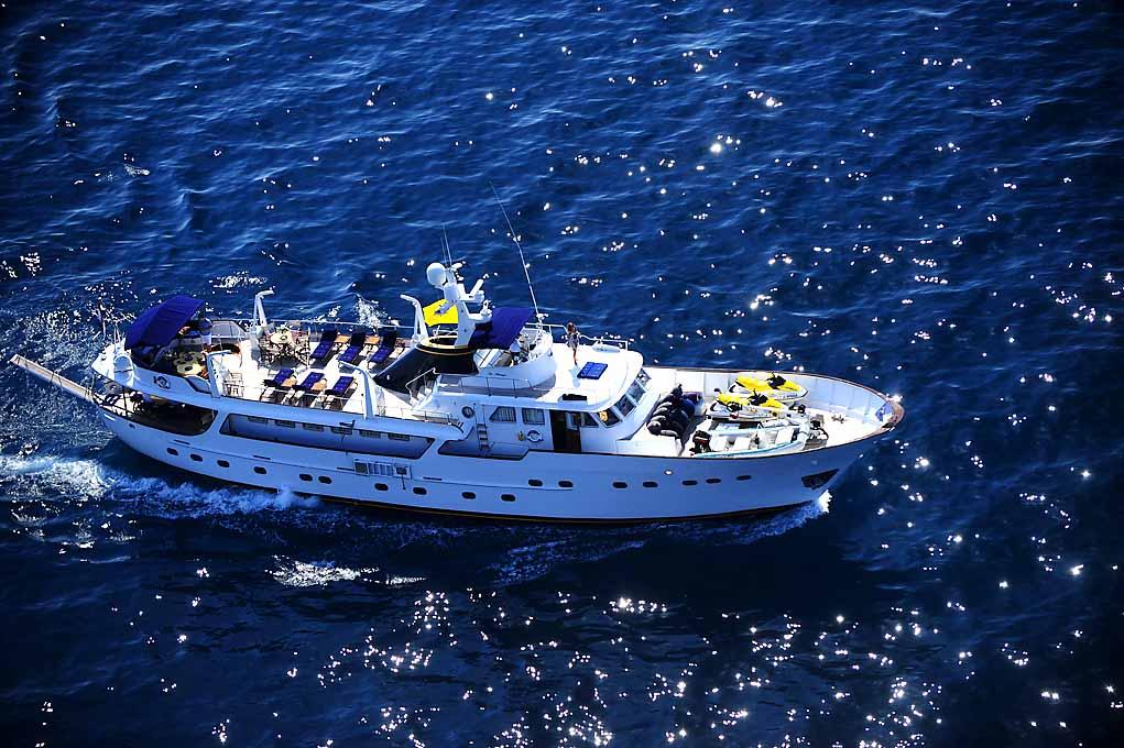 Benetti 34. Built: 1969; Length over all: 34 m; Beam: 6,24 m ...