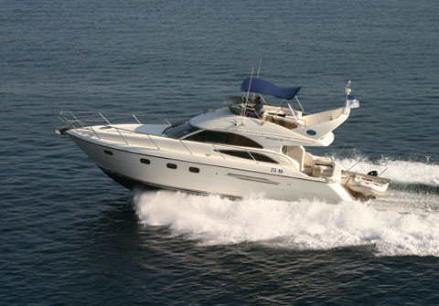 Princess 45 fly. Built: 2002; Length over all: 13.6 m; Beam: 4,23 m ...
