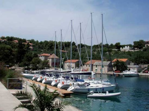 Yachts moored in Rogac bay