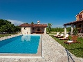 Villa Bacio with pool and sun lounges