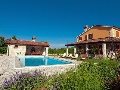 Villa Bacio with garden and pool