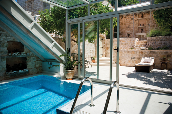 Villa Heraclea - indoor/outdoor pool