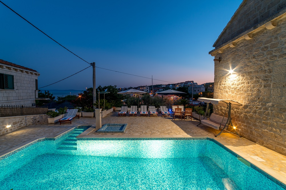 Villa Vicko with pool