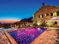 Villa Antonela at night