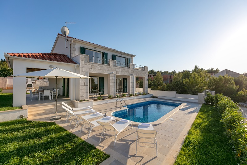 Villa Milna with swimming pool