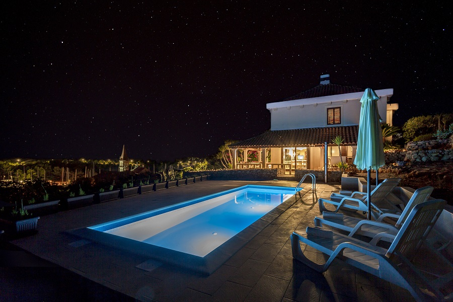 Villa Bo at night